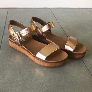 Steve Madden Aida rose gold platform sandals